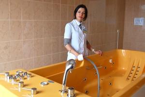 Медики городской больницы планового лечения приглашают горожан принять ванну