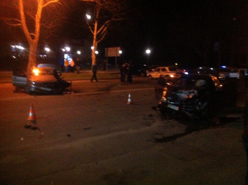 Из-за столкновения легковушек в Мелитополе 1 человек погиб, 3 пострадали - Цензор.НЕТ 8179