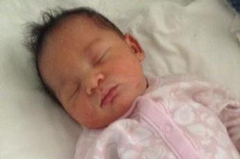 Супруги продали свою новорожденную дочь за 7 000 долларов