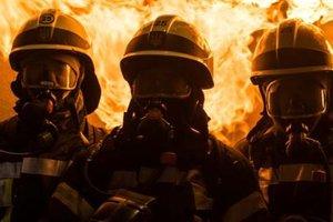 Спасатели почти час тушили пожар
