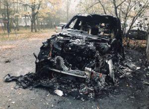 В Мелитополе ночью сгорел дорогой внедорожник