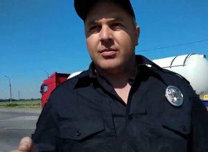 И снова не смог: в Мелитополе полицейский дважды пытался оштрафовать одного и того же водителя