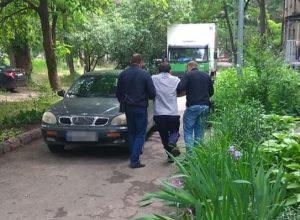 В Запорожье задержали экс-чиновника, скрывающегося от тюрьмы за взятку