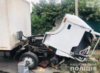 Водитель грузовика не справился с управлением и погиб в результате ДТП