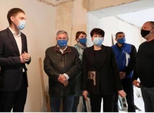 Инвесторы проверили как идут ремонтные работы в мелитопольских амбулаториях
