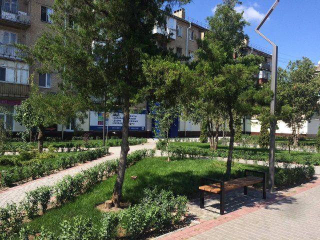 В Мелитополе завершили благоустройство сквера возле остановки Садстанция