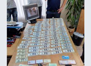 Начальника Госпродпотребслужбы в Запорожской области задержали на крупной взятке