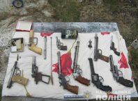 Житель Мелитополя изготовлял самодельное оружие